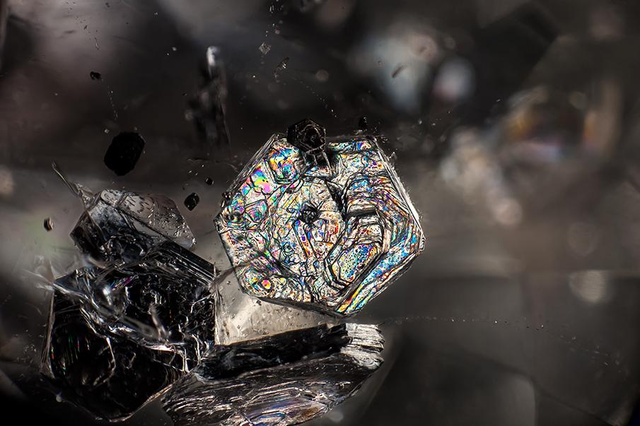 muscovite-in-qtz_905.jpg